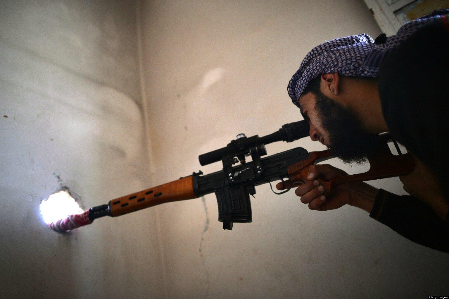 Les terroristes tiraient sur les gamins Les terroristes visaient les jambes, ils les laissaient blessés pour tuer les secours.