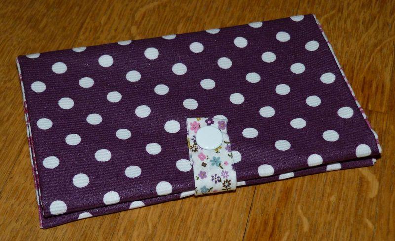 01. Protège-carte grise violette