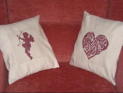 Cupidon et coeur brodés par Eucylenya
