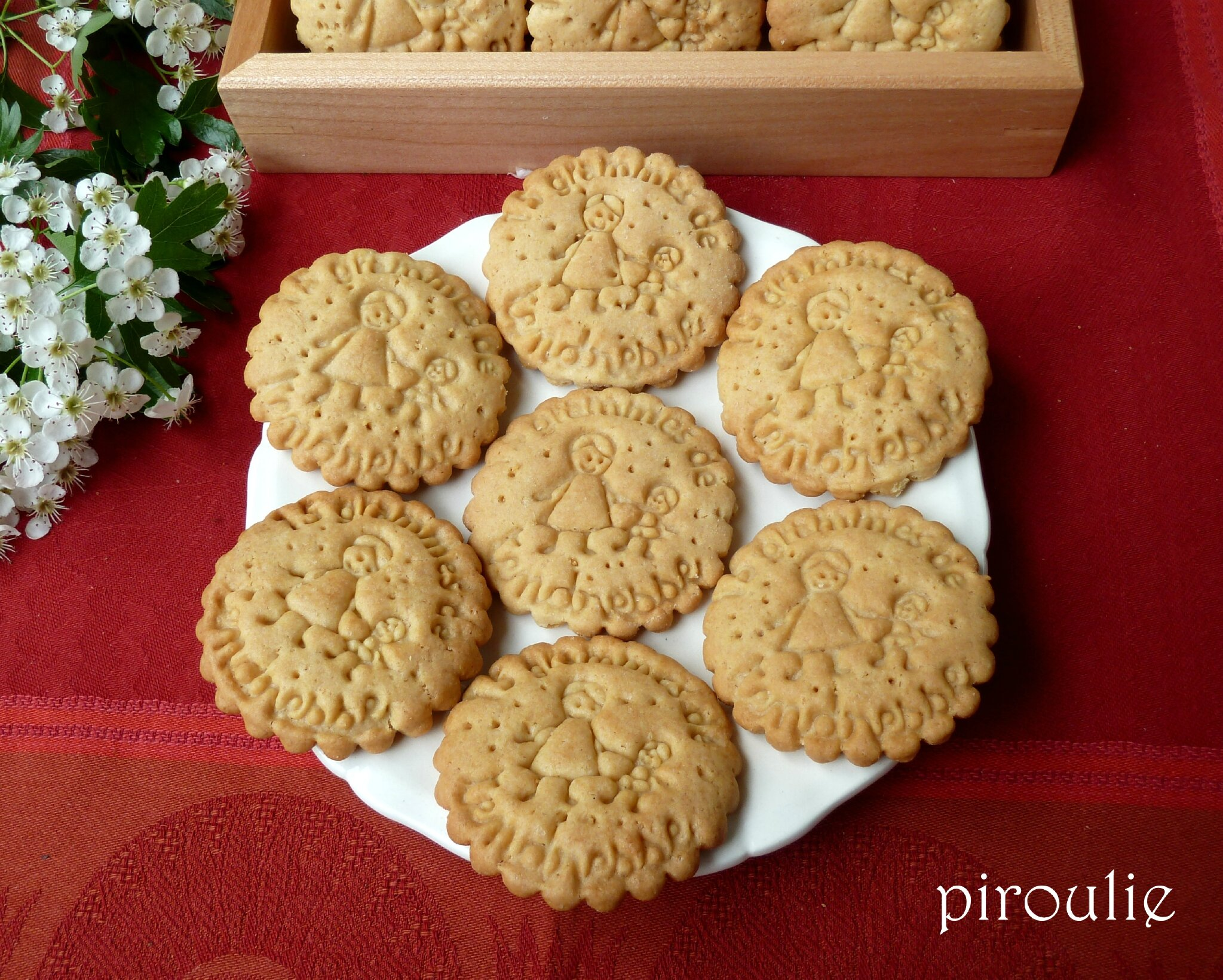 Biscuits l gers la ma zena et aux amandes p tisseries et gourmandises - Recette sable confiture maizena ...