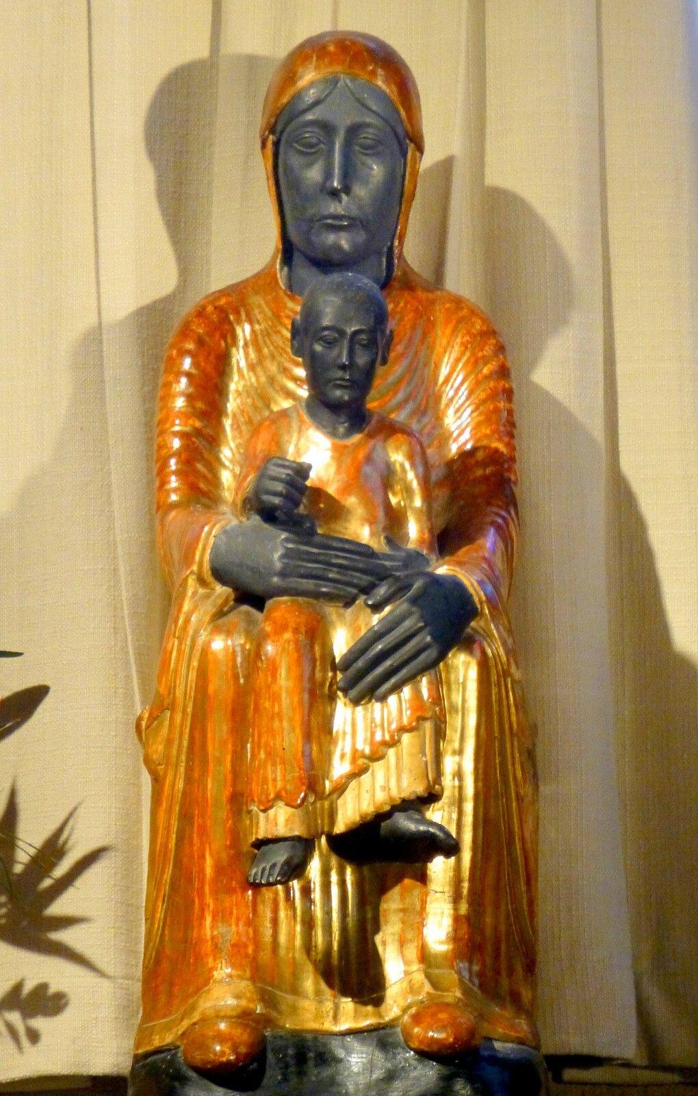 église de Marsat : Vierge noire