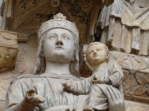 amiens_cathedrale_vierge_fa_ade_2