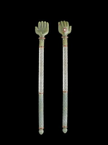 A gem-set jade and rock crystal Back Scratcher, India, 18th-19th Century