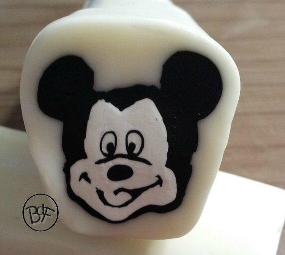 Cane Mickey réduite diamète 5 cm environ !