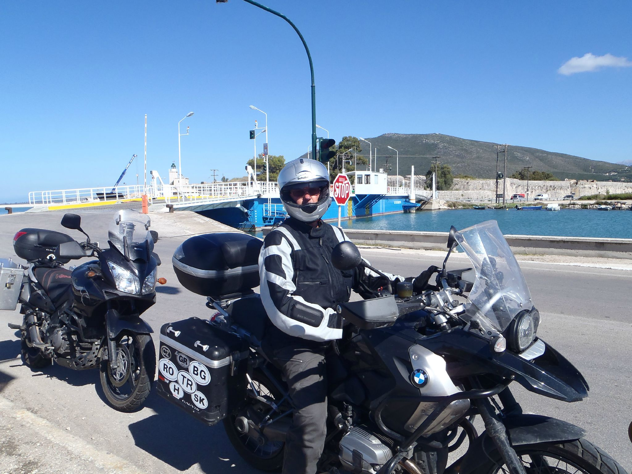 grece pont bateau de lefkas route vers l'adriatica