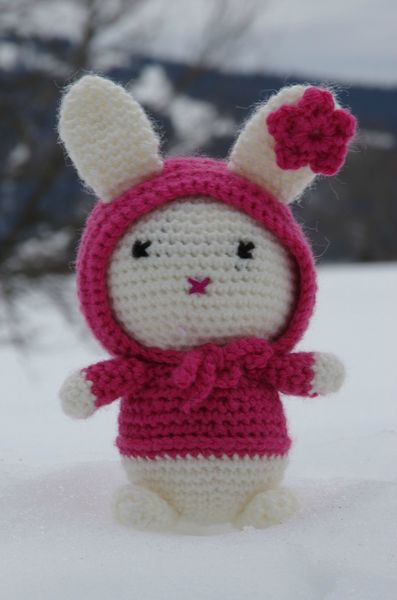 Bunny in the Snow (2)
