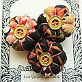 ♥ delcy ♥ broche textile japonisante fleurs potirons - les yoyos de calie
