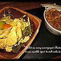 Poulet au curry accompagné d'haricots verts, et son crumble épicé de méli-mélo de carottes