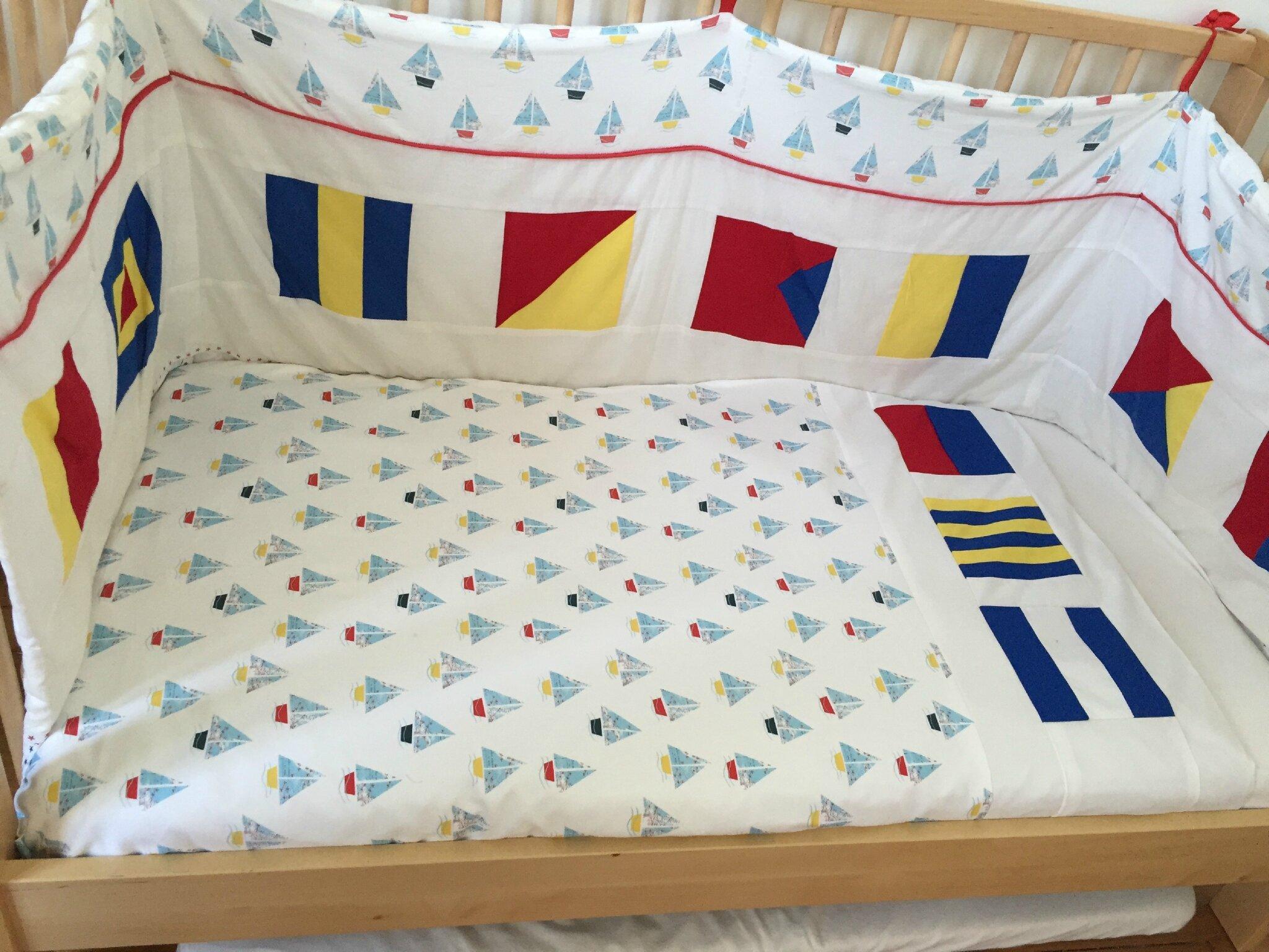 housse de couette aux pavillons blue bits. Black Bedroom Furniture Sets. Home Design Ideas