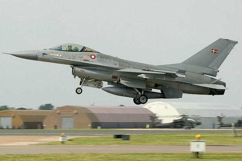 F16_-_RIAT_2005_(2524565284)