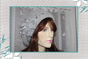 bonnet_noeud_gris_deco