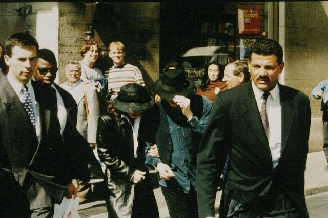 Michael Jackson Lisa Marie September 5 Shopping In Paris 1994