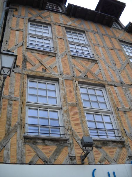 Troyes (44)