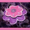 Broche feutrine fleurs rose mauve avec strass (N)