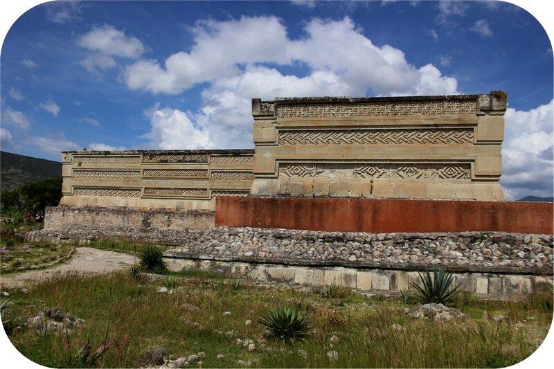Mitla- Temple aux colonnes