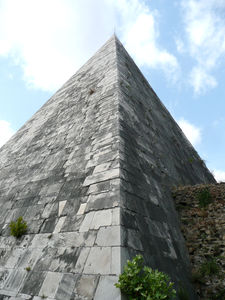 Pyramide_de_Cestius_32