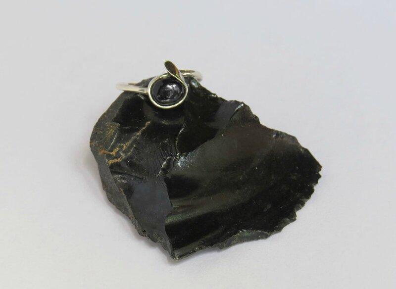 résultat finale bague en argent massif 950 obsidienne sertie 2