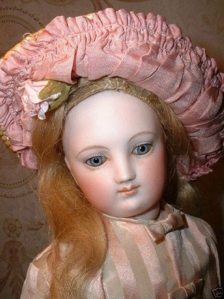 POUPEE-DE-COLLECTION-POUPEE-ANCIENNE-Infos-collectionneur