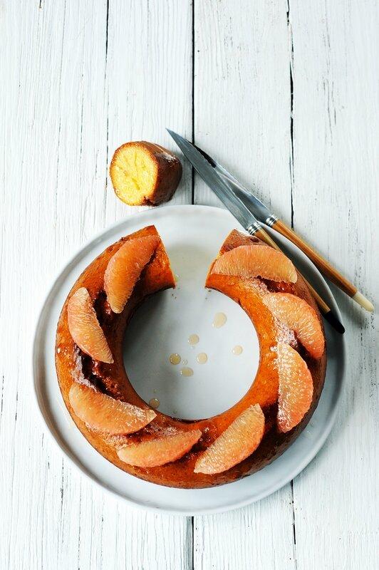 Gâteau acidulé au pamplemousse ©FDOC -Dorian Nieto