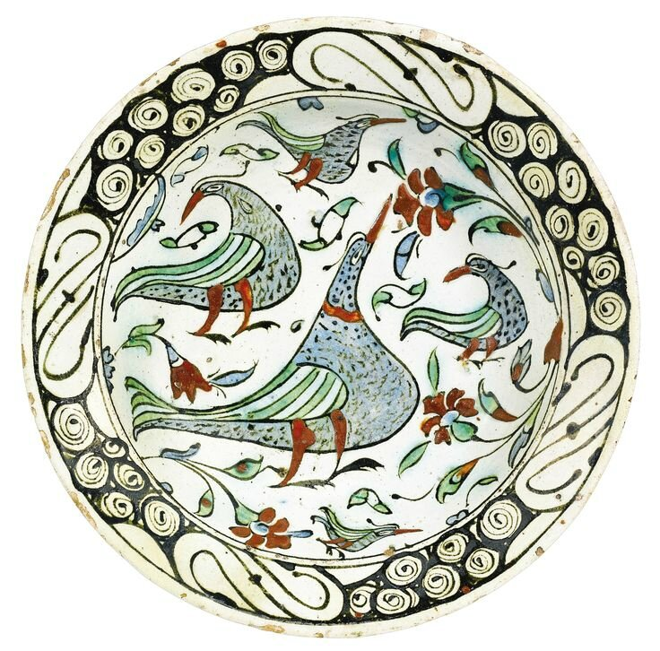 An Iznik polychrome pottery dish with birds, Turkey, circa 1600