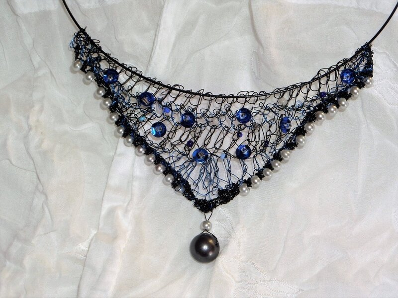 collier fil de fer crocheté (22).JPG