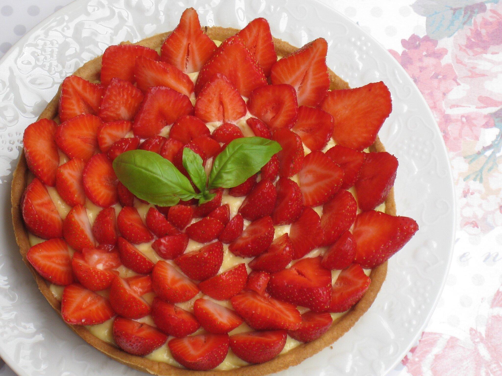 Tarte aux fraises et cr me patissi re au basilic les petits plats de mimimarie - Fond de tarte palet breton ...