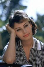 sophia_loren-1958-08-20-by_richard_c_miller-1-1