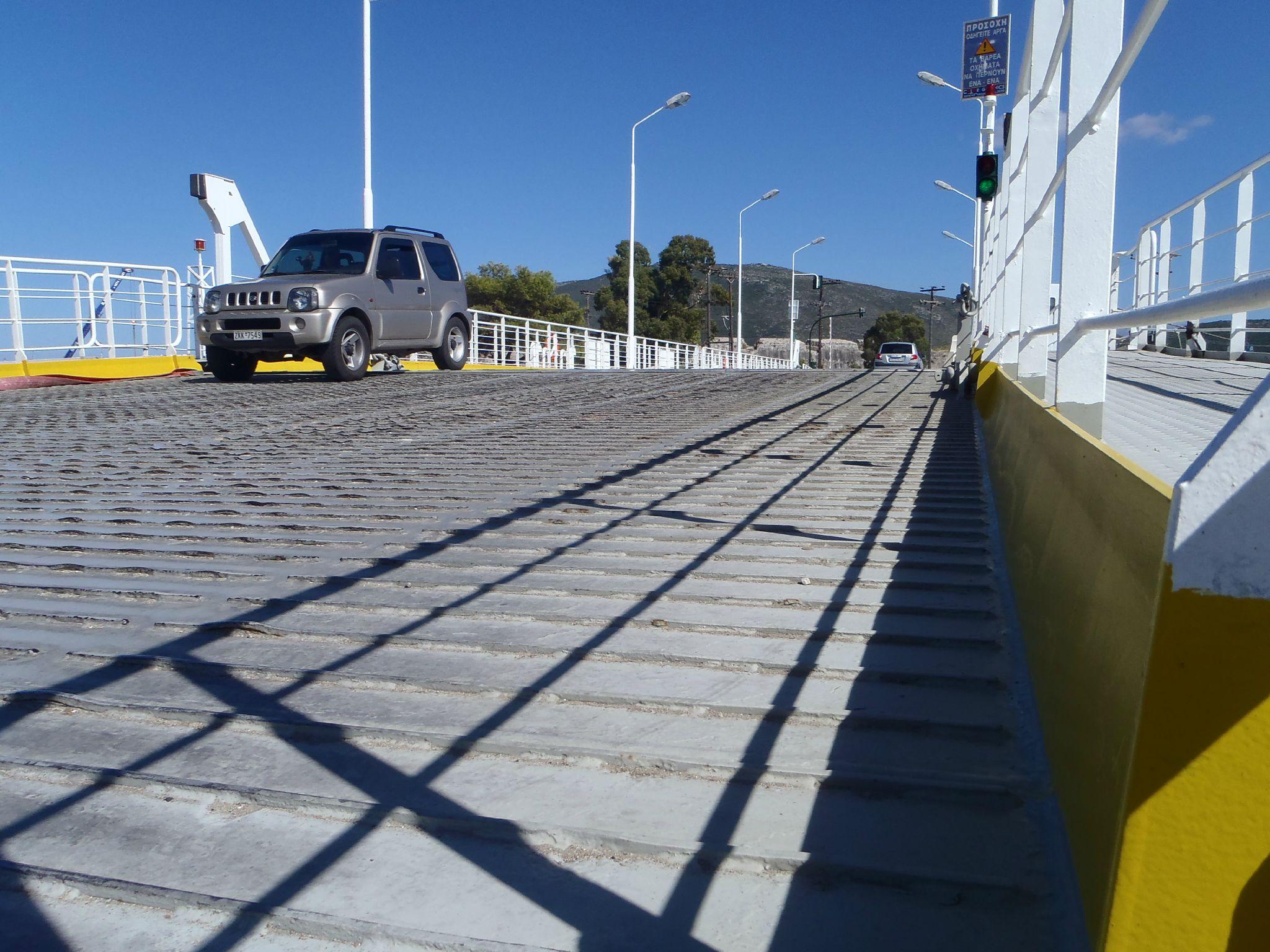 grece pont bateau de lefkas revetement en tole ondulé