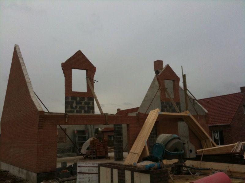La maconnerie est termin projet de construction de for Budget construction maison par poste