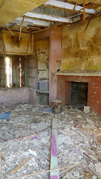 maison abandonnée Lprice (20)