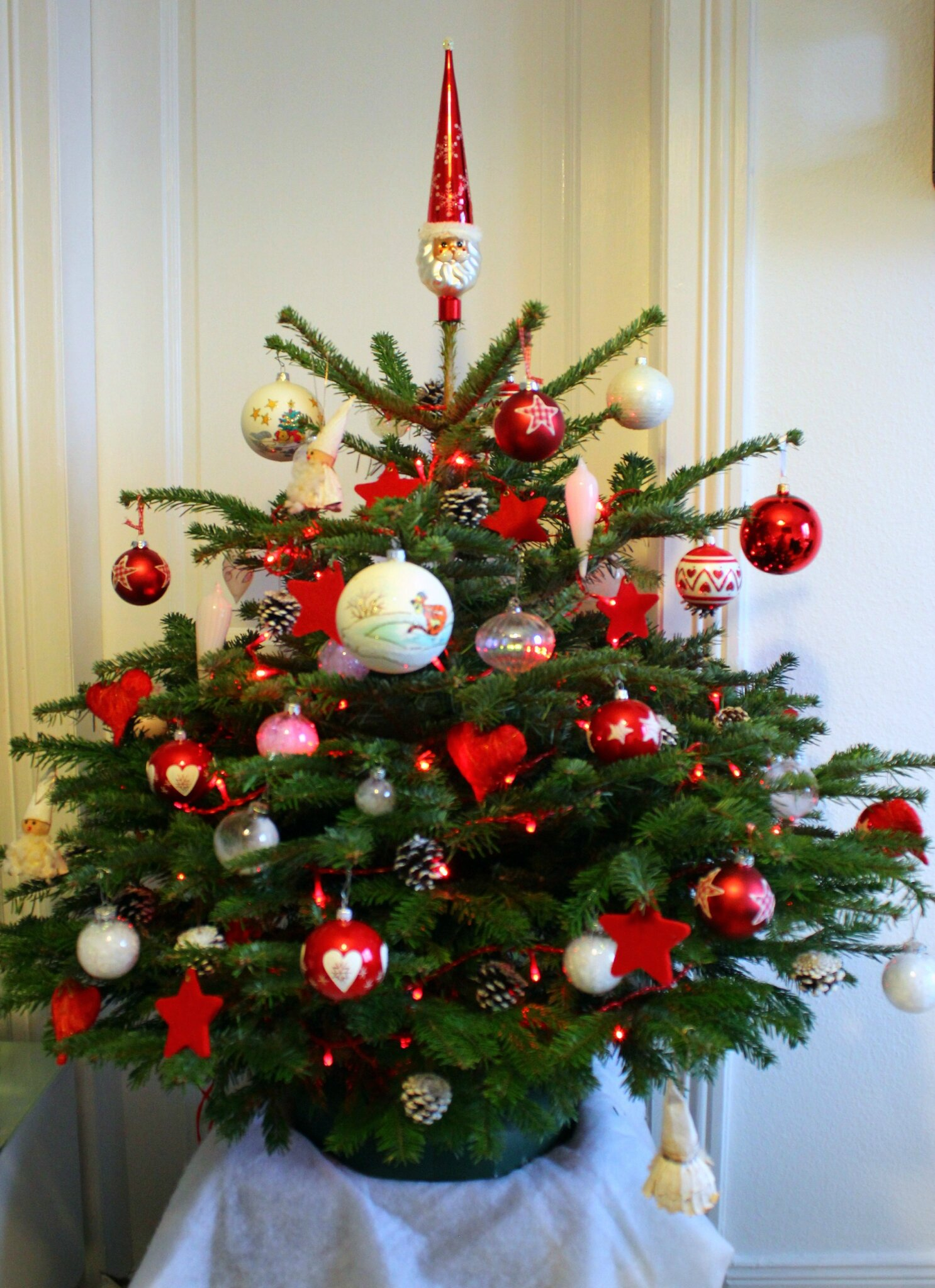 Sapin de noel rouge et vert for Decoration sapin de noel rouge et blanc