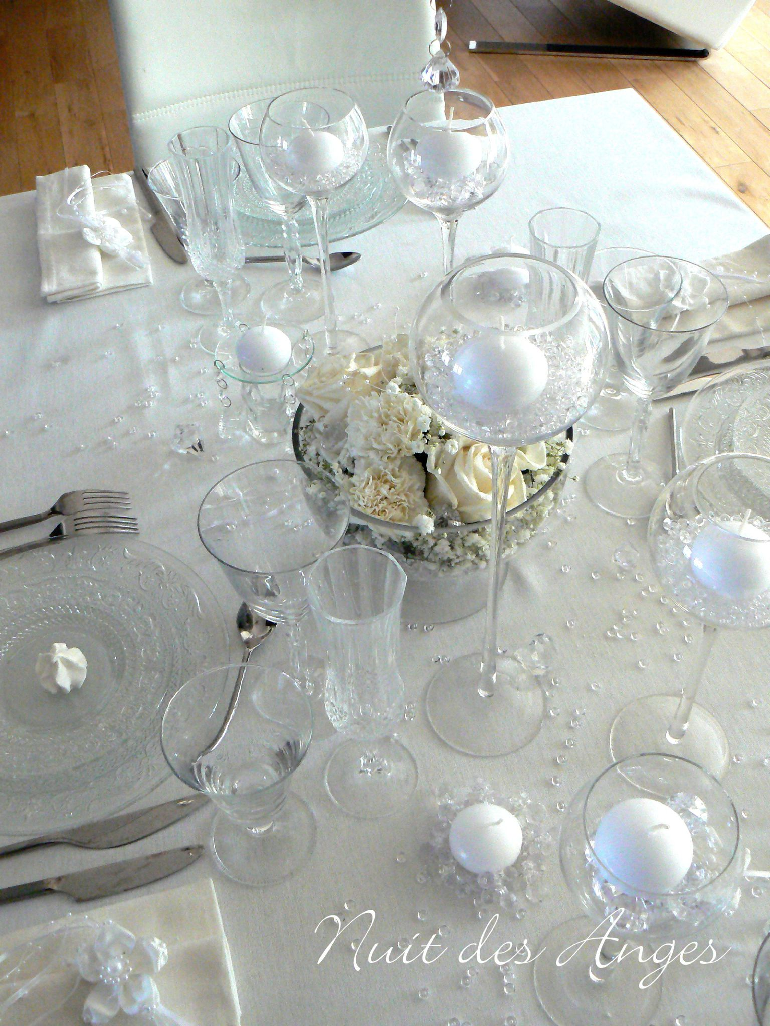 D coration de table blanche nuit des anges - Decoration de table de noel blanche ...