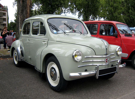 Renault_4CH__1_