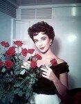 liz_taylor_pic_1953_roses_1