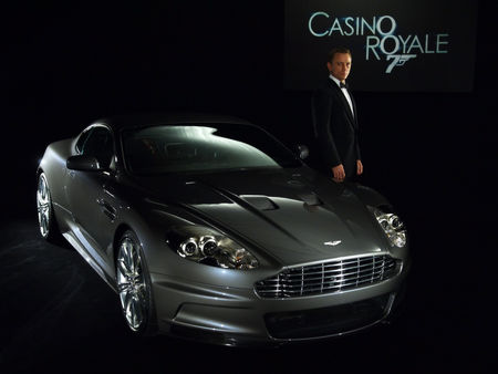 2006_Aston_Martin_DBS_James_Bond_Casino_Royale_Daniel_Craig_1600x1200
