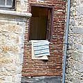 20140721 St Cirq la popie fenêtre tapis