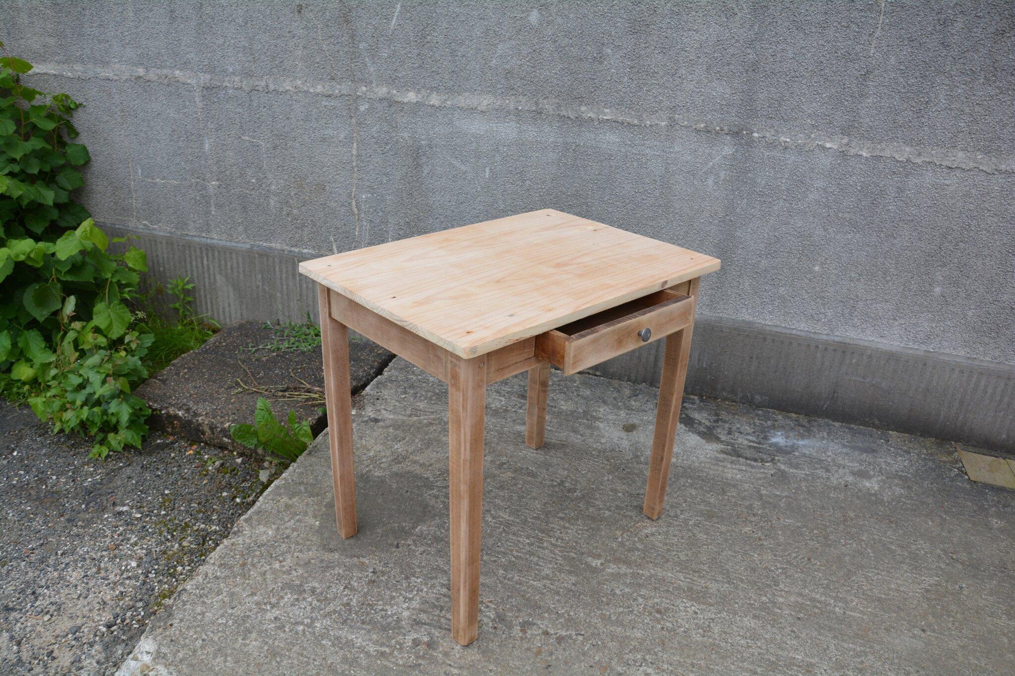 petite table de ferme bureau console la petite brocanteuse. Black Bedroom Furniture Sets. Home Design Ideas