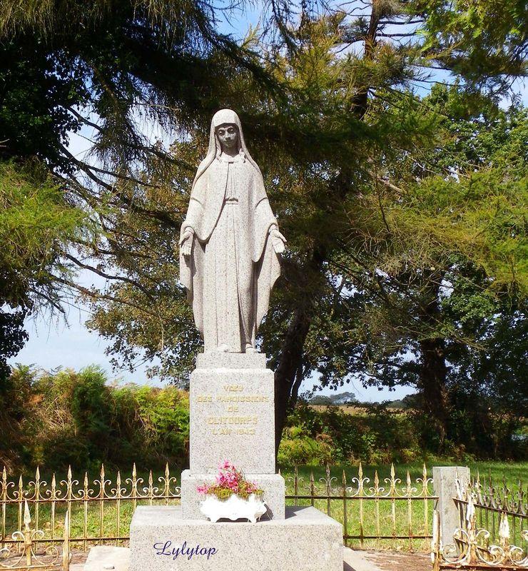 Statue de la Vierge à Clitourps