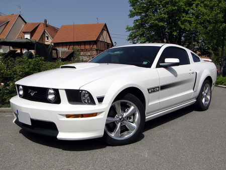 FORD Mustang GT CS (California Special) Coupe 2007 2009 Bourse d'Echanges Auto-Moto de Châtenois 2011 1