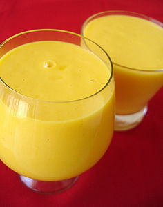 mango_yogurt_smoothie_lassi