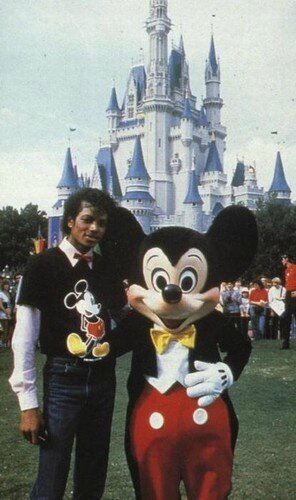 Michael-and-Mickey-Mouse-michael-jackson-24254860-296-500