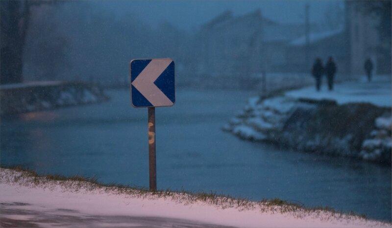 ville passants rivière soir neige 280218