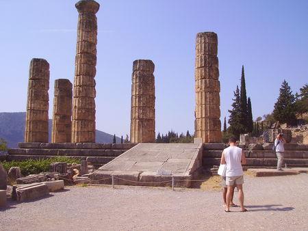 55___Place_devant_le_temple_d_Apollon_et_la_rampe_d_acc_s_au_Panaos_1