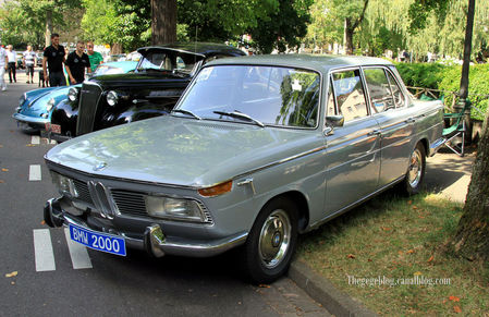 Bmw_2000_berline_4_portes_de_1967__34_me_Internationales_Oldtimer_meeting_de_Baden_Baden__01