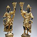 Paire de porte torchère en bois sculpté, doré ou laqué au naturel. travail vénitien du xviiie siècle