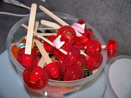 Sucettes maison en fait les bonbons maison un jeu d 39 enfants d lices et suplices - Maison en biscuit et bonbons ...