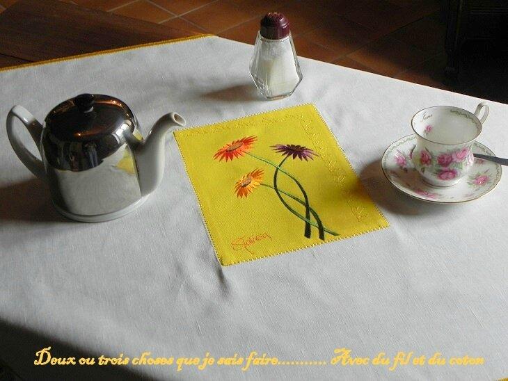 nappe jaune et blanche husqvarna2