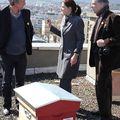 Installation des ruches au musée Bargoin 060410