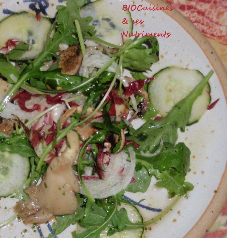 salade melée aux champignons