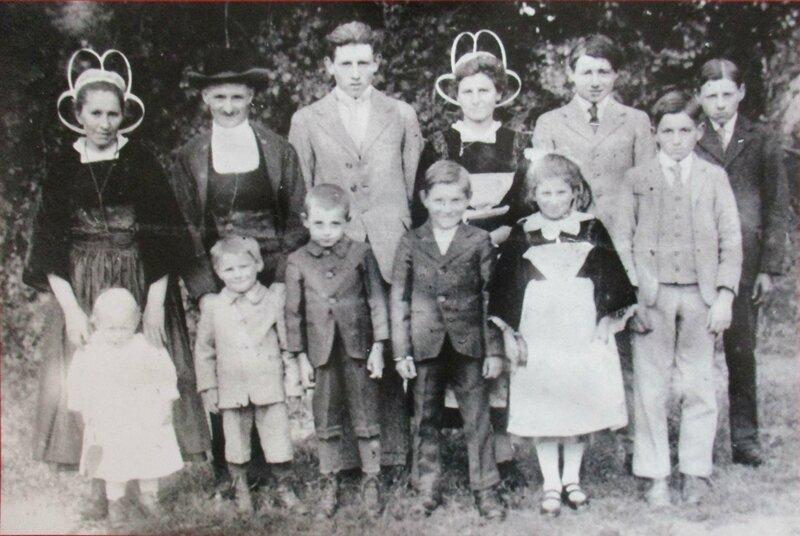 1924 Pierre Q Marie Jeanne Ponthou et 10 enfants